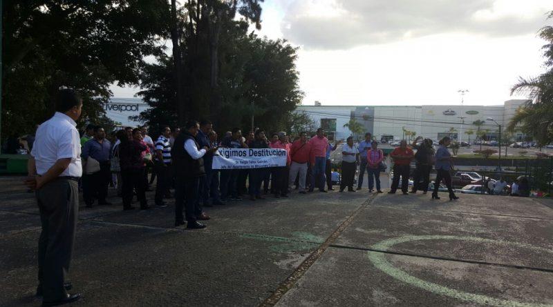 Empleados de Misiones Culturales de la  SEV demandan destitución de Sergio Téllez Galván